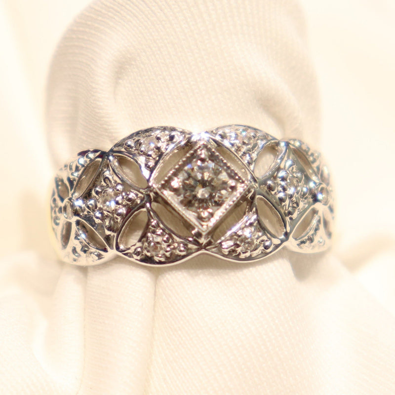 18kt Two-Tone Lace Diamond Ring - Cape Diamond Exchange