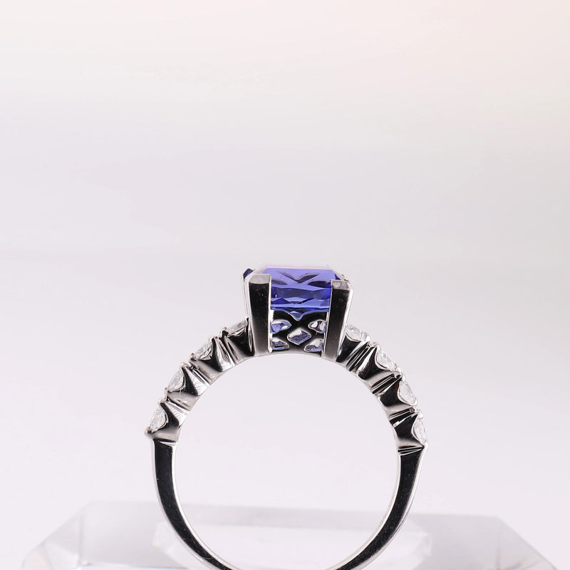 Tanzanite and Round Diamond Ring in White Gold