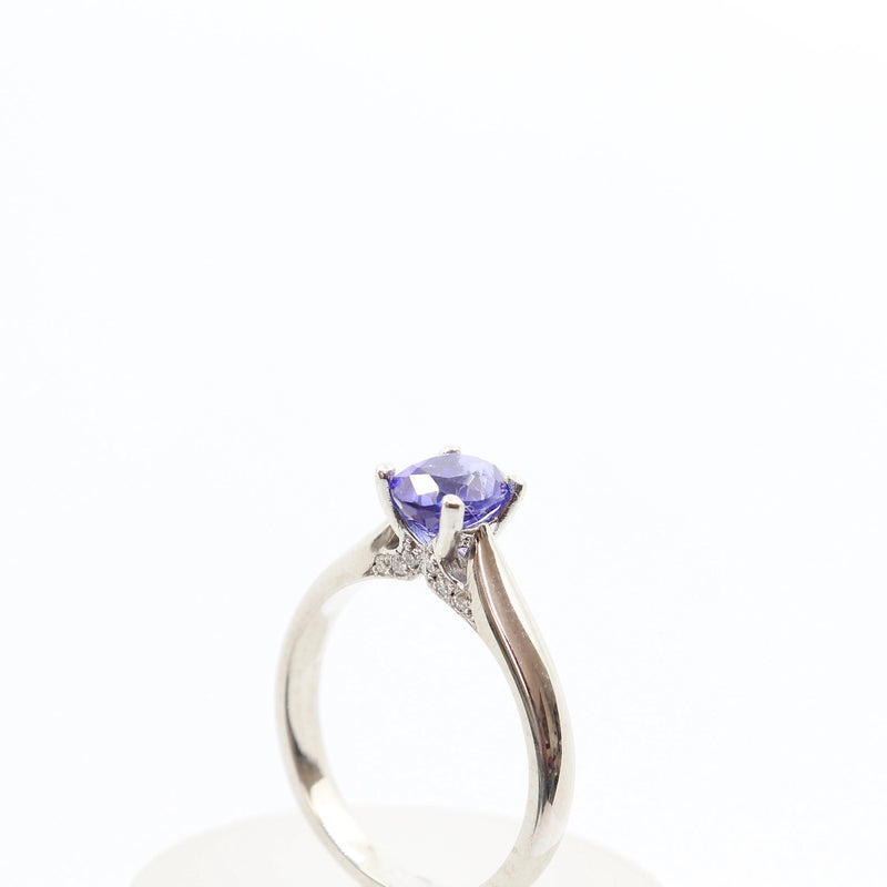 Oval Tanzanite and Round Diamond Fancy Solitaire Ring