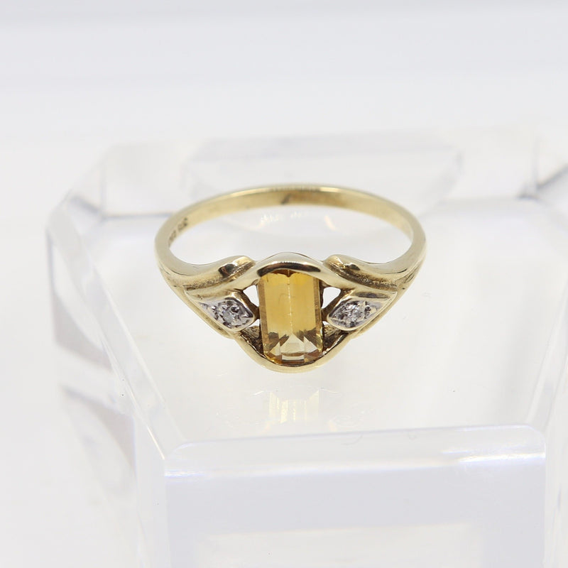 Citrine and Diamonds Ring
