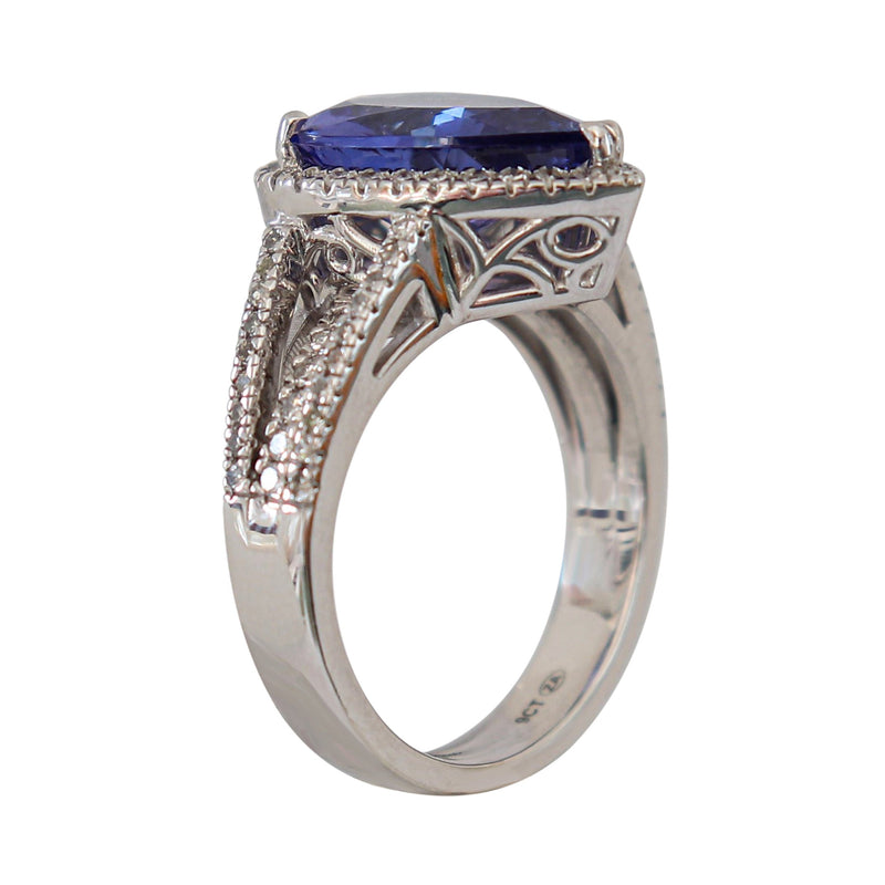 9 kt White Gold and Diamond Ring with Pear Tanzanite