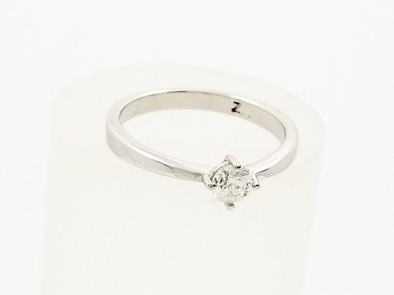 9 kt White Gold Diamond Engagement Ring - Cape Diamond Exchange