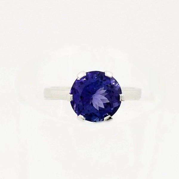 Round Tanzanite in White Gold Ring With Six flat Claws