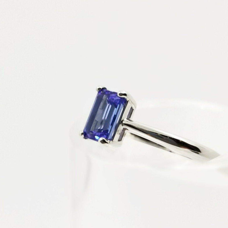 9 kt White Gold Tanzanite Emerald cut Tanzanite Ring - Cape Diamond Exchange