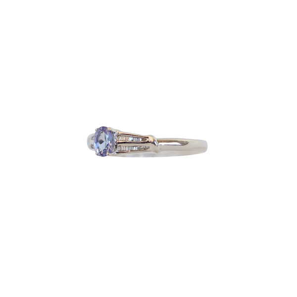 9 kt White gold Oval Tanzanite and Baguette Diamond Ring - Cape Diamond Exchange