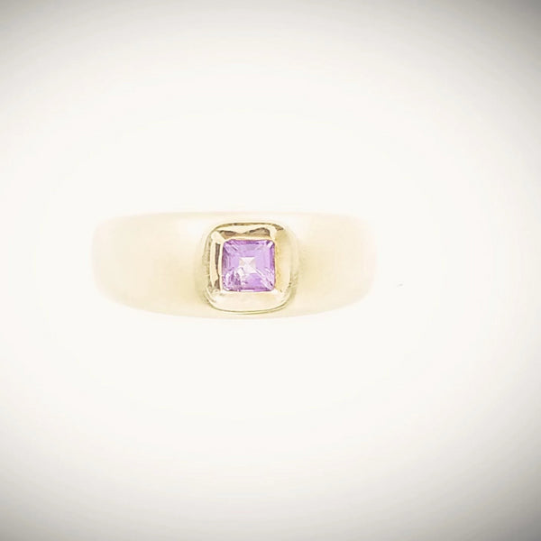 9 kt Yellow Gold Cubic Zircon Amethyst Ring Matte finish - Cape Diamond Exchange
