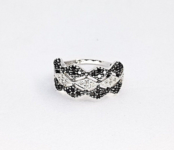 Black and White Diamonds Zigzag Ring - Cape Diamond Exchange