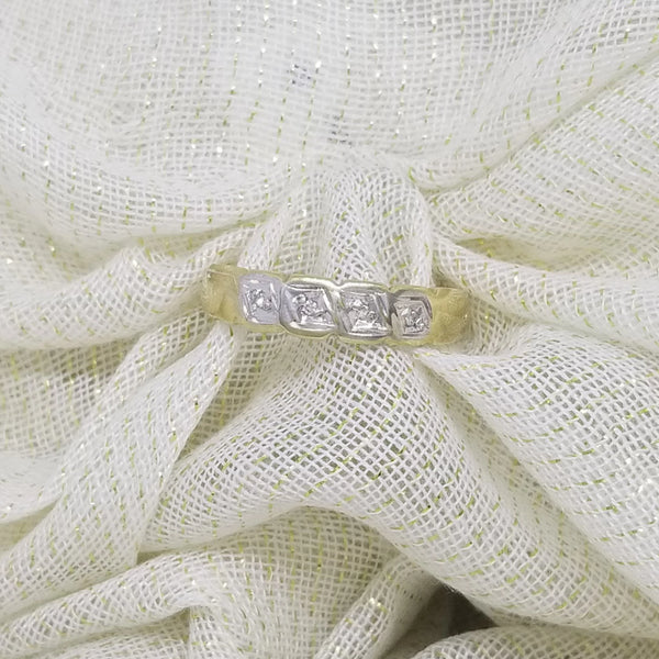 9 kt Eternity Ring with Diamonds set in White and Yellow Gold