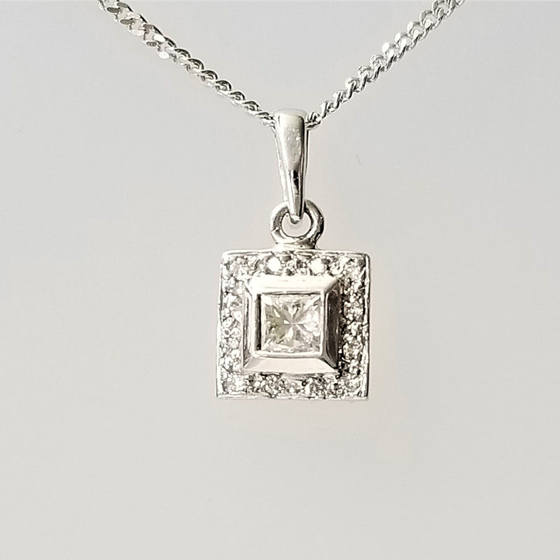 18 kt White Gold pendant with a Princess Cut diamond - Cape Diamond Exchange