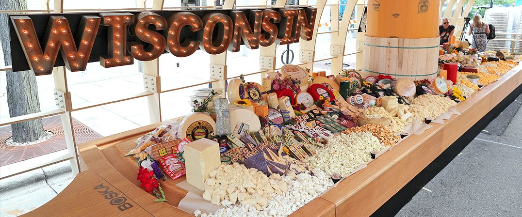 World's Largest Cheeseboard!