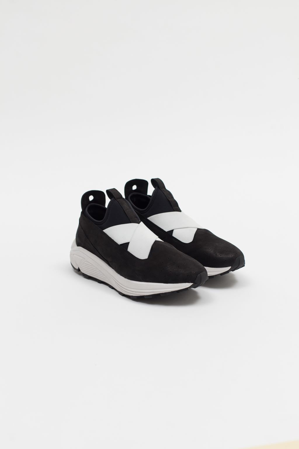 Marquez Low-Top, (White Strap)