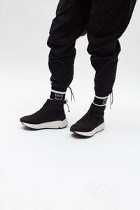 """La Pola"" High-Top. Black & White Sneaker (Nubuck)."