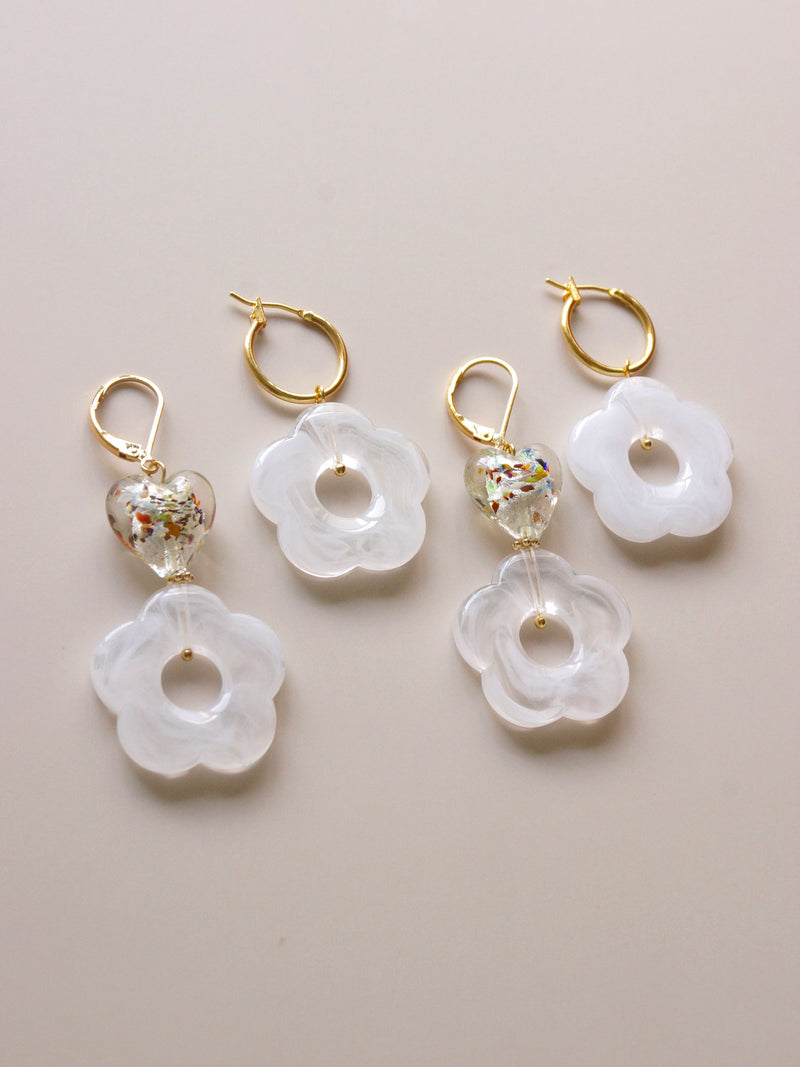 Little Flower Hoops - Marbled White *18K Gold-plated
