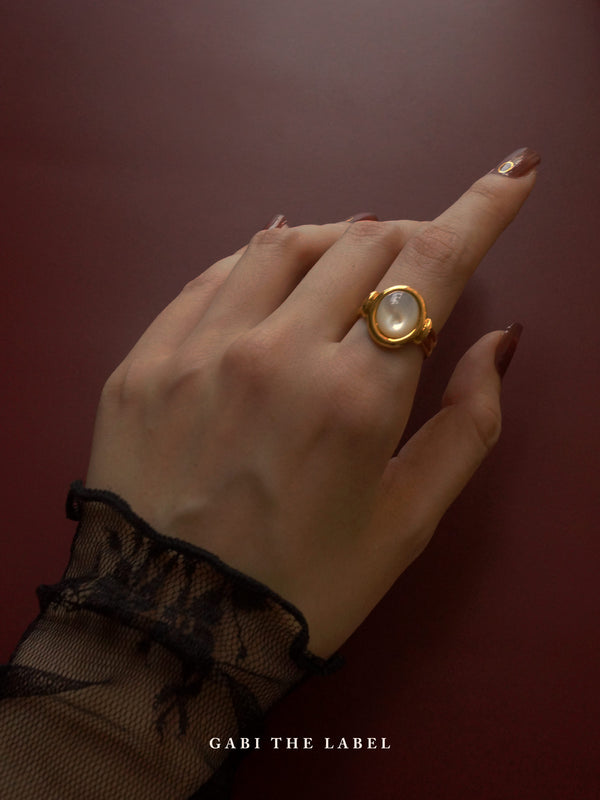 The All-seeing Ring - Shell *18k Gold-plated