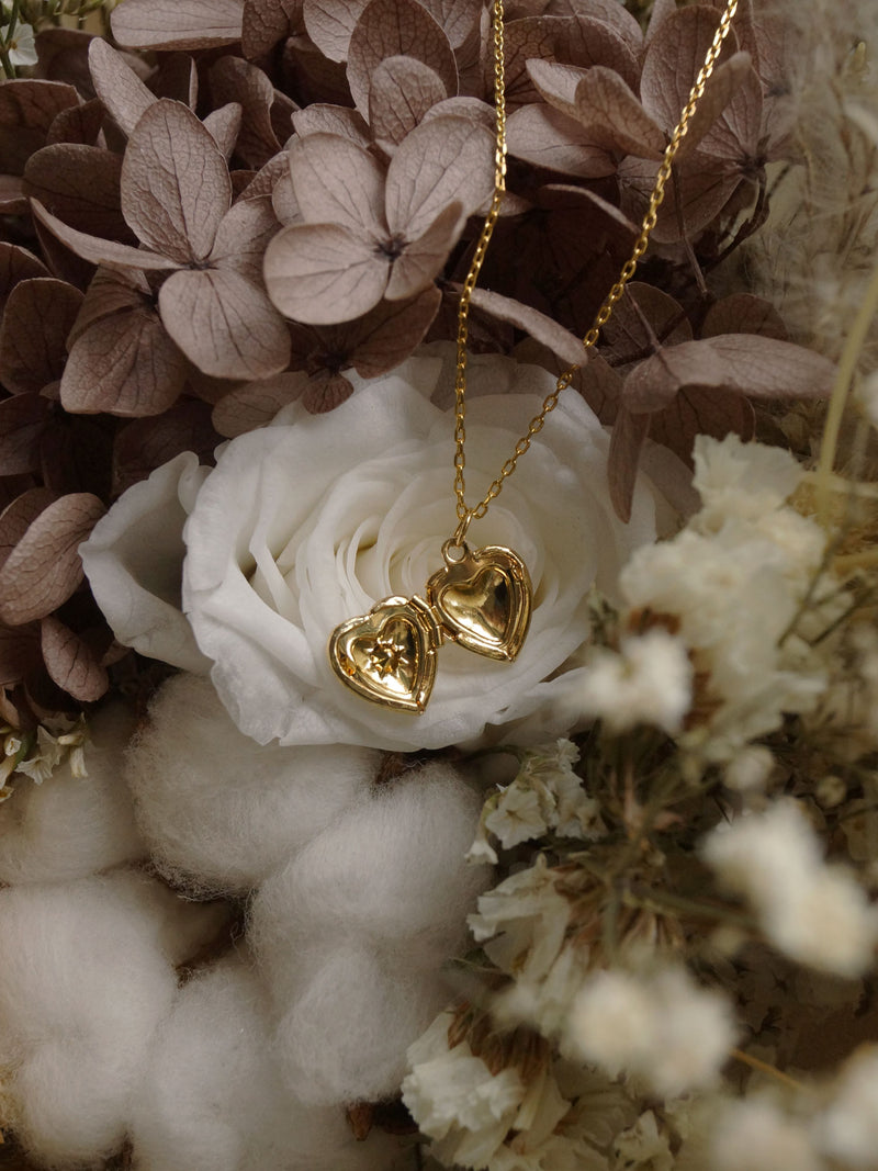 CALLIE Locket Necklace *18K Gold-plated