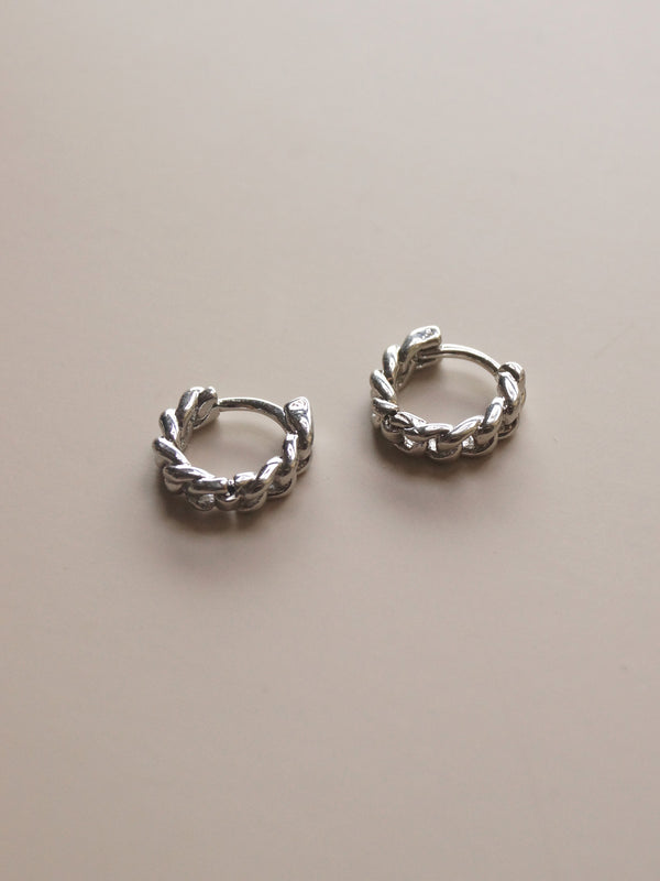 Chain Huggies - Silver *Platinum-plated
