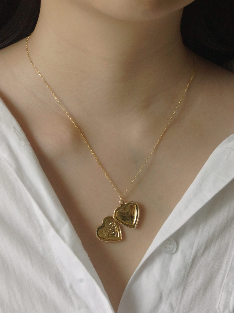 EMMA Locket Necklace *18K Gold-plated
