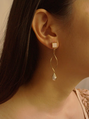 Ari Earrings