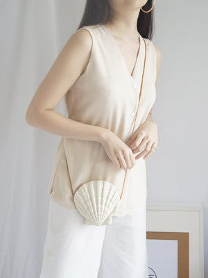 Seashell Sling Bag