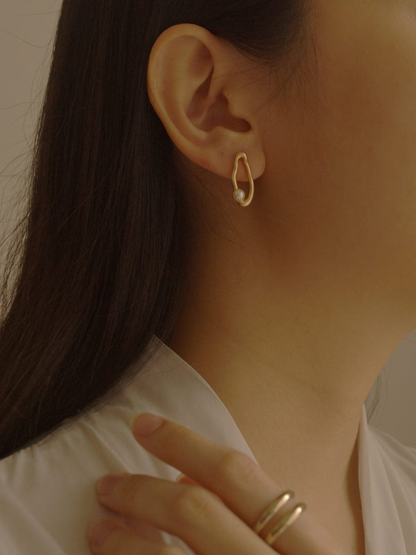 Karan Earrings *S925 Ear-posts