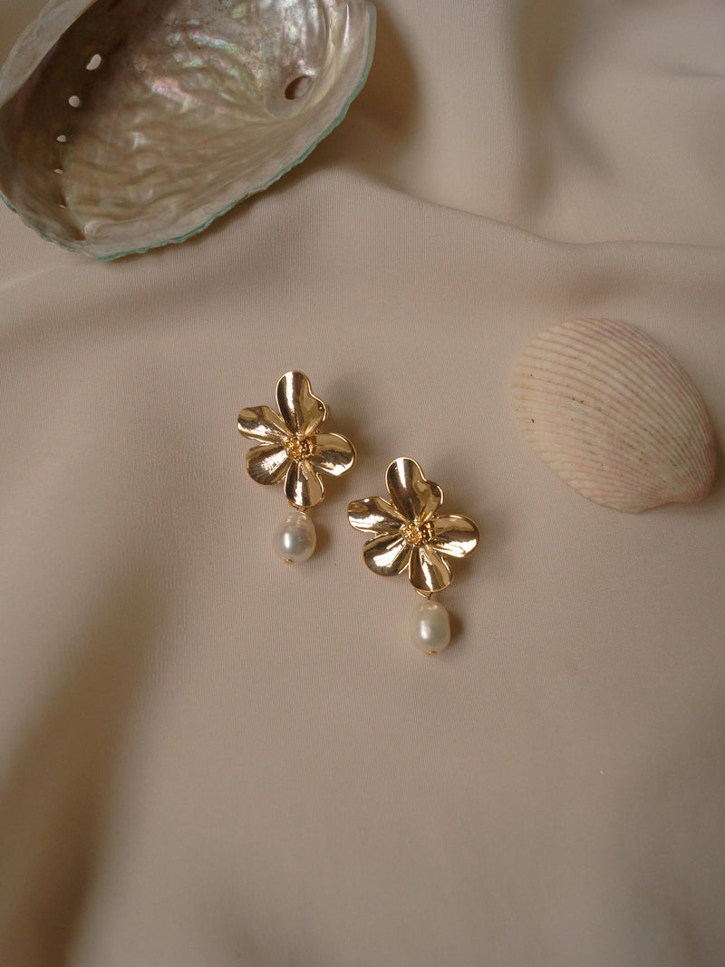 Lola Earrings *S925 Earposts