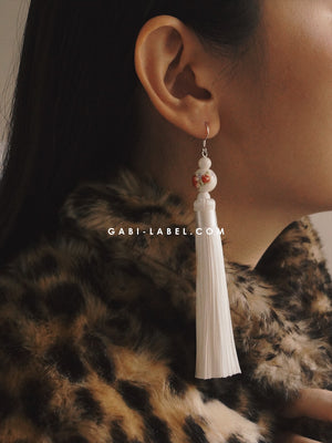 Gui Fei Earrings (925 Silver Earhooks) - White