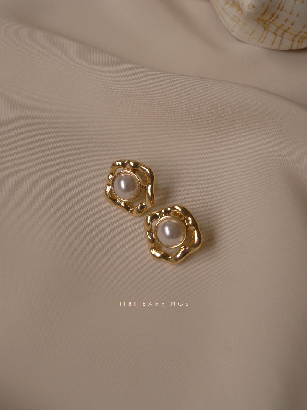Tiri Earrings