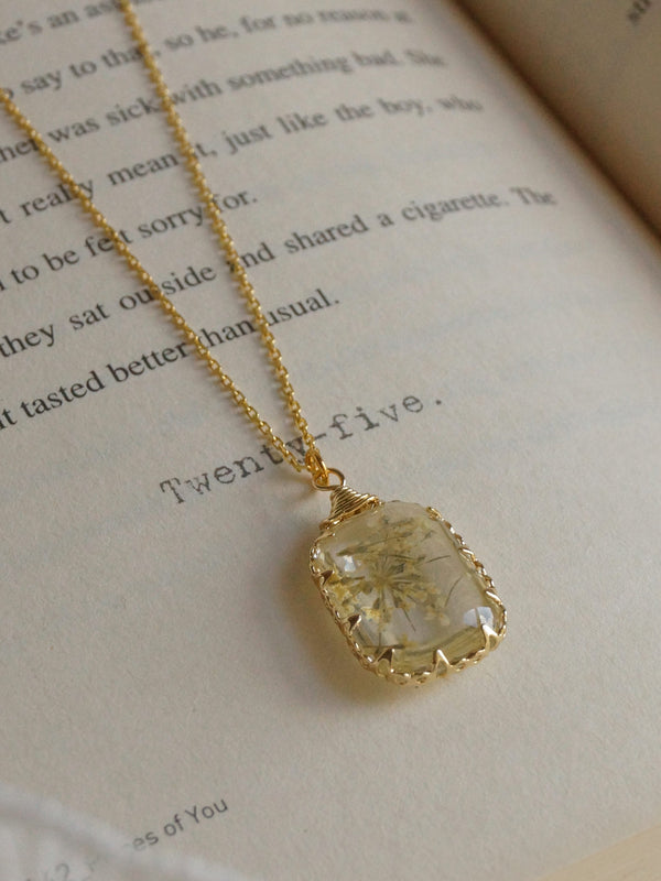 GINNY Flower Necklace *18K Gold-plated