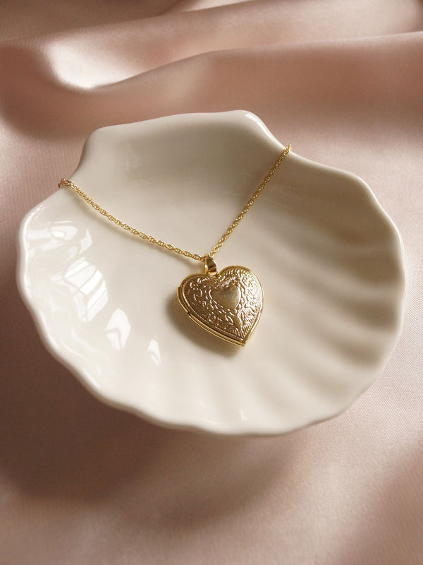 HANAE Locket Necklace *Gold-plated (GABI PREMIUM)