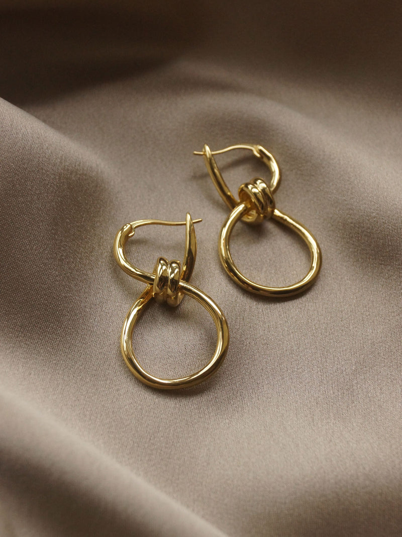 The Knot Hoops *18k Gold-plated