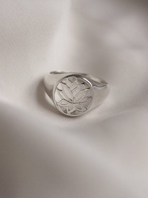 LOTUS Signet Ring - Small // GABI EXCLUSIVE