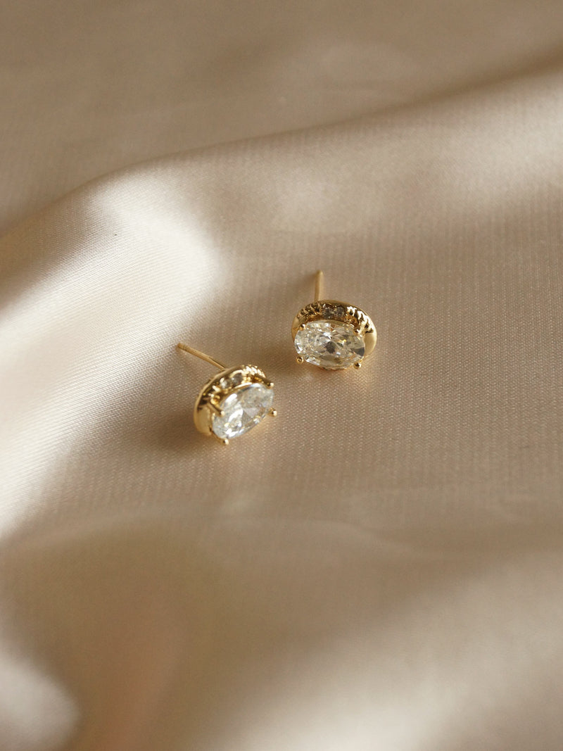 MAYA Earstuds *Gold-plated