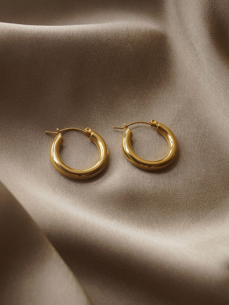 The Omega Hoops - Gold *18k Gold-plated