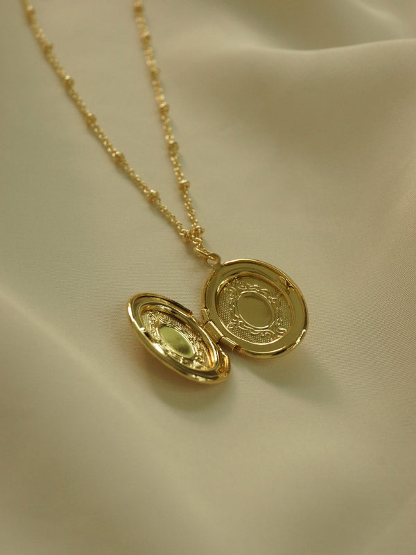 Oval Locket Necklace *14K Gold-plated