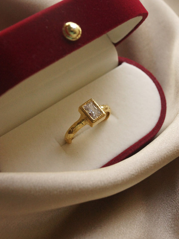 The Queen's Ring - Rectangle *14k Gold-plated