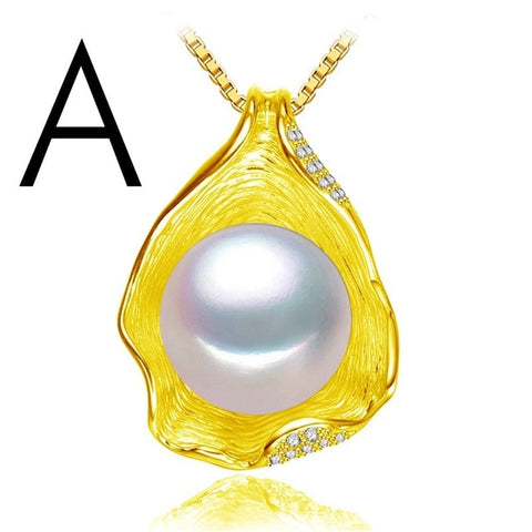 Shell Design Pearl Necklace
