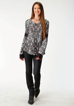 Studio West- Indian Summer Swest Womens Long Sleeve 1840 Floral Vine Border Print