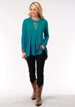 Studio West- Folk Fest Swest Womens Long Sleeve Shirt 1299 Poly Rayon Slub Jersey Top