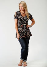 Studio West- Garden Paradise Swest Womens Short Sleeve Shirt 1728 Wild Flower Prt Poly Spandex Jrsy