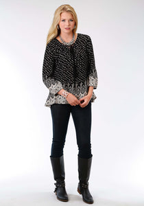 Studio West- Viva La Vida Swest Womens Long Sleeve Shirt 1109 Rayon Aztec Border Print