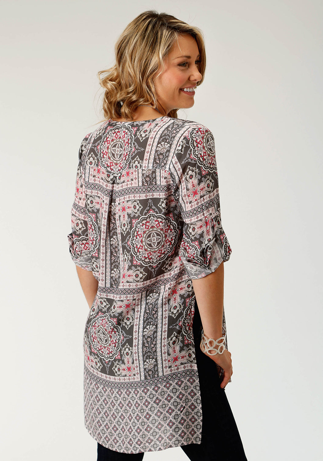 Studio West- Rosy Outlook Swest Womens Long Sleeve Shirt 1574 Scarf Print Tunic