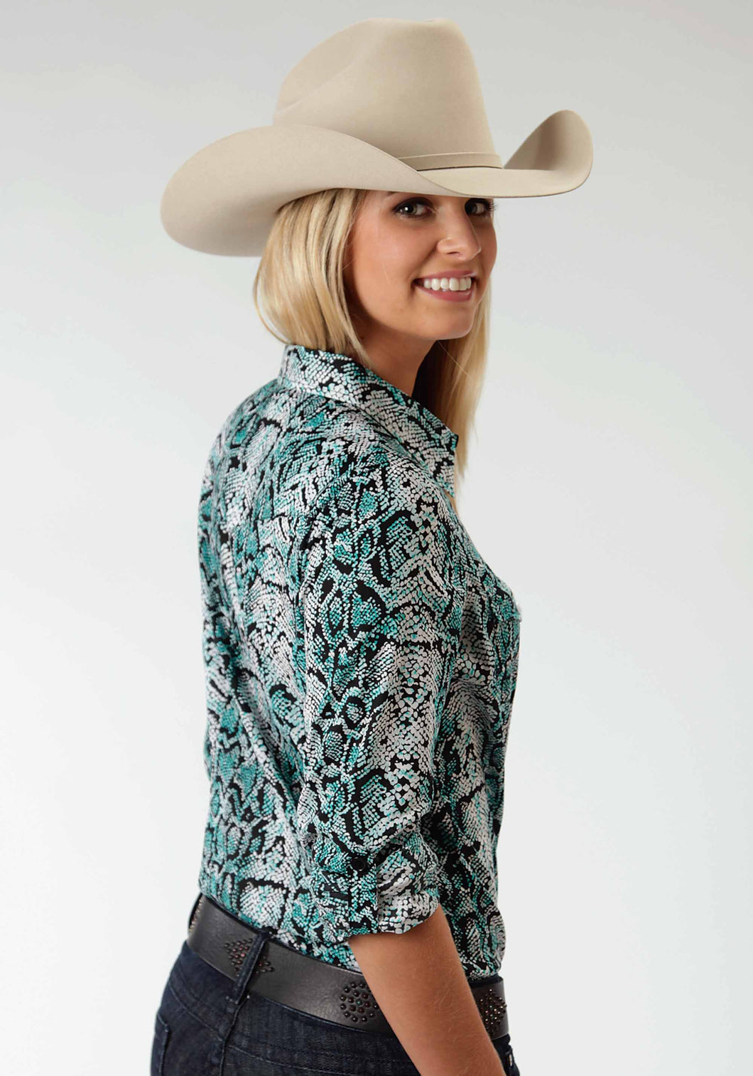Five Star- Turquoise Cove 5star Womens Long Sleeve Shirt 0424 Snake Print Retro Shirt