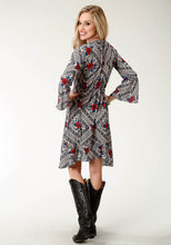Studio West- A Rose Is A Rose Swest Womens Long Sleeve Dress 1843 Diamond Floral Prt Poly Crepe