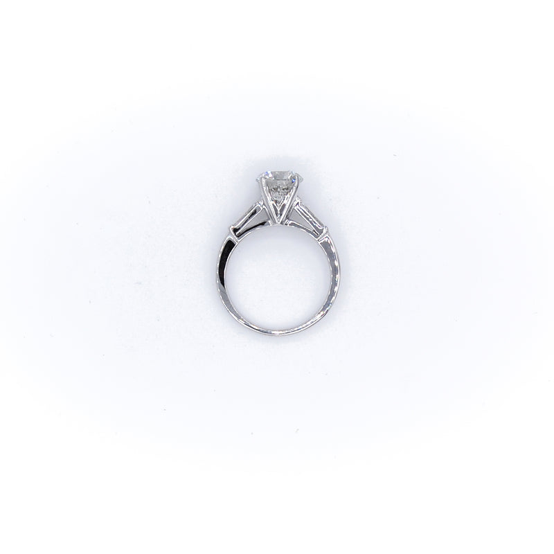 Cushion Cut Enagagement Ring
