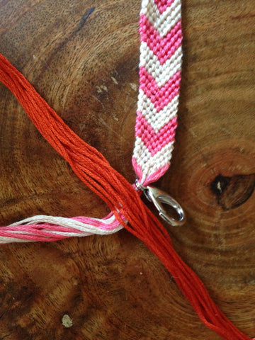 how to make a friendship bracelet with 12 strings