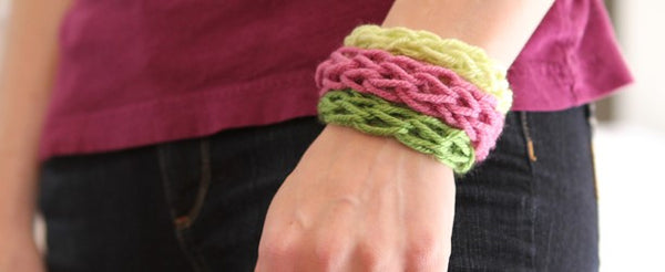 Finger knit bracelet