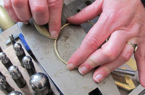 making a bangle bracelet