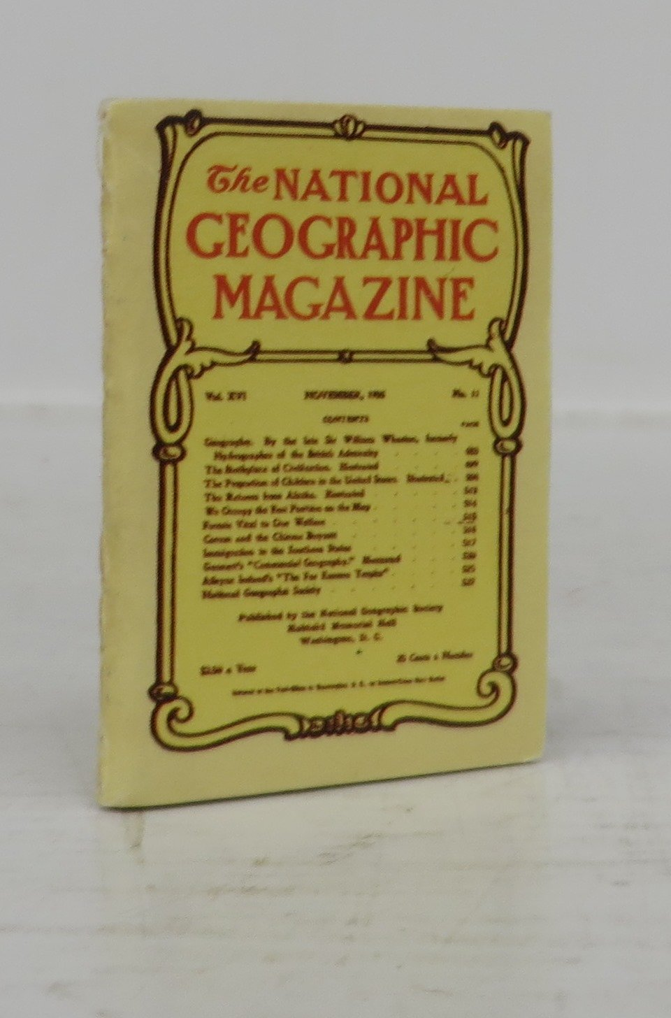 The National Geographic Magazine (Miniature book)