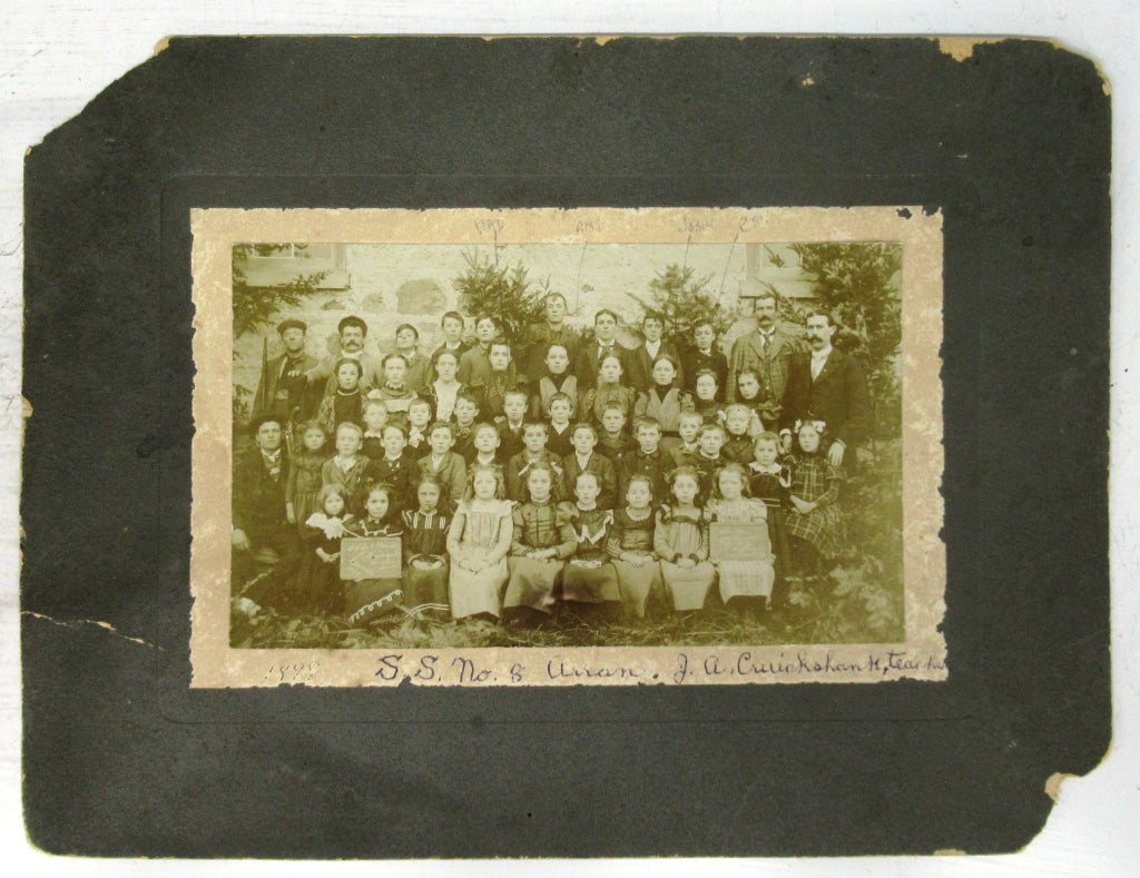 Photo of students at S. S. No. 8, Arran, Bruce County