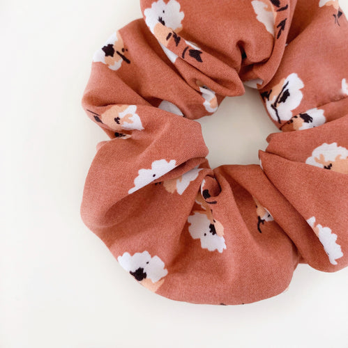 AUTUMN SCRUNCHIE